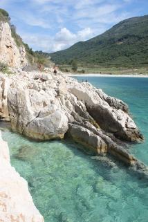 La plage de Kakomë, où un imposant complexe hôtelier Club Med devait voir le jour... Il n'en est rien !